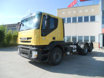 IVECO STRALIS AT260S45 A TELAIO